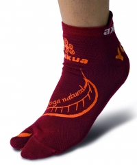 Yoga socks burgundy
